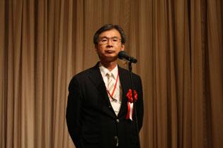 本学会理事長の酒谷薫氏